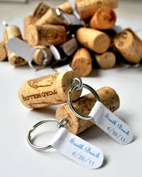diy cork keychain diy wedding favor ideas guests will keep for sure