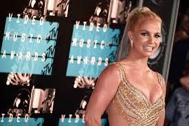 Britney Spears: 'Ik voel me een slaaf ...