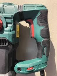 Denn dieses werkzeug arbeitet mit einem. Testbericht Parkside Pbh 1500 E5 Der Discounter Bohrhammer