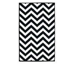grey white chevron rug black and white chevron rug black and white dorm decorating chevron college grey white chevron rug