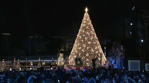 Dc White House Christmas Tree Lighting Trump Lights National Christmas Tree To Mark Holiday Season