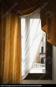 Fenster Mit Vorhängen Lizenzfreies Bild 2424601 Bildagentur