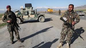 طالبان تمسك بحدود أفغانستان.. ومسلحون قدامى يتأهبون