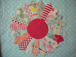 How to Use Scrap Fabric: 7 Great Ideas & Patterns & Dresden Plate Quilt Block with Multicolored Piecing Adamdwight.com
