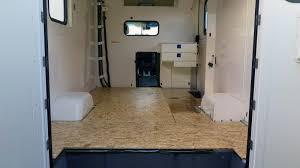 Ein wohnmobil, in der schweiz amtlich wohnmotorwagen, ist ein kraftfahrzeug mit einer zum wohnen geeigneten inneneinrichtung. Boden Isolieren Im Wohnmobil Frankenwagen