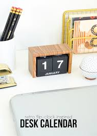 Flip Clock Inspired Desk Calendar