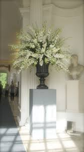 Pin de Alyne Banks en the power of the petal | Arreglos florales ...