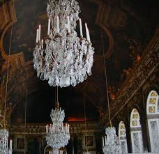 chandelier styles by era by the end of the century two main types of french rock crystal chandeliers had emerged the re a in the style of xiv