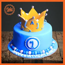 1st Birthday Crown Cake Delivery All Over Karachi