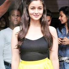 Alia Bhatt Hairstyle alia bhatt without makeup black and yellow dress 3076 by stevesalt.us