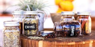 10 crafty spice jars to keep home cooks organized