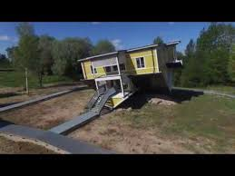 <b>Upside Down House</b>
