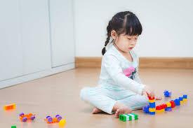Giai đoạn trẻ 2 tuổi biết làm gì, con phát triển cơ bản về hành vi và cảm  xúc