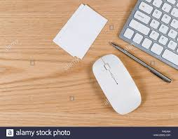 office desk surface. Fine Surface Office De Bureau Avec Ordinateur Clavier Souris Stylo Blanc Et Cartes  Du0027affaires Du Vrai Chne Surface En Bois To Desk Surface I