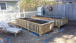 garden beds pallets