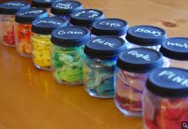 20 things to do with baby food glass jars: Hair band holders - @lilsugar