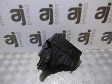 toyota rav 4 fuses fuse boxes toyota rav4 2 0 2001 under bonnet fuse box