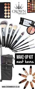 make up kit essentials from the best make up brushes to a sy make up trolly to all the hygiene you need in your professional kit