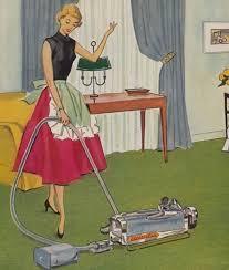 Resultado de imagem para mulher usando aspirador anos 1950
