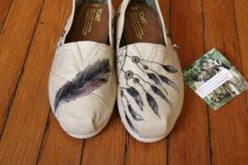 Dream Catcher Toms Shoes toms white feathers print indian dream dreamcather 16