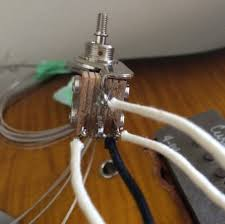 aly the finn channel the actual ering part was totally straightforward wrap wire around lug according to wiring diagram er move on to next wire