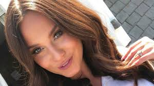 vicky pattison shares makeup and tan free picture before big transformation
