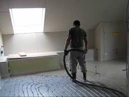 Heizestrich leitet wärme besonders gut weiter, sodass der fußboden sich schnell aufheizt und weniger energie benötigt wird als bei materialien, die nicht leiten. Estrich Auf Fussbodenheizung Verlegen