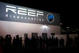 customers line up to be some of the first to legally purchase recreational at reef