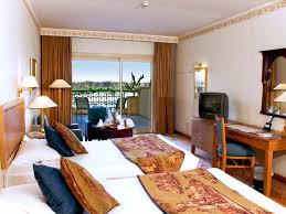 Luxor 2 Bedroom Suite Hotel In Luxor Steigenberger Nile Palace Online Buchen