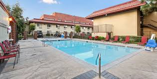 red roof inn santa ana outdoor swimming pool image