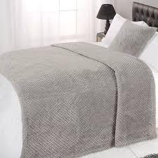 dreamscene luxury large waffle honeycomb warm throw over bed