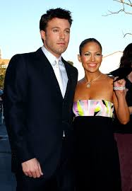When he started flooding our sources say the emails also referenced j lo's love for ben's writing, and included a line about him being able to own her heart with his pen. Ben Affleck And Jennifer Lopez S Relationship Timeline