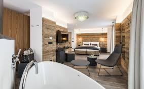 Badewanne Im Schlafzimmer Der Spa Suite Mk Salzburg Pr Agentur