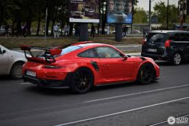 2018 Porsche 911 GT2 RS Lights Up a Traffic Jam in Serbia ...