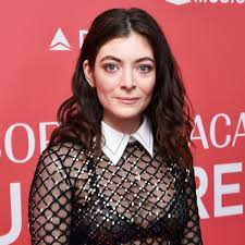 Lorde Updates Her Onion Ring Instagram ...