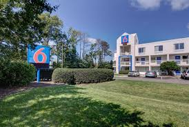 Motel Six We Ll Leave The Light On For You Motel 6 Virginia Beach Prices Reviews Tripadvisor