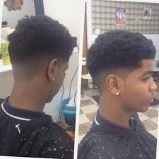 85 Coiffure Afro Cheveux Courts