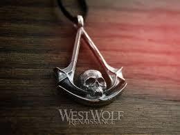 assassin s creed skull symbol pendant