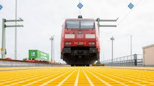 Die deutsche bahn stellt dabei oft teile ihres verkehrs ein. Gdl Vorerst Doch Keine Lokfuhrer Streiks Bei Der Deutschen Bahn Wirtschaft Sz De
