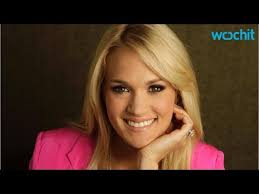 carrie underwood wears no makeup and is a mess