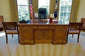 oval office resolute desk. No One Knew That Sir John Franklin, An Experienced Explorer And A Member Of The Royal British Navy, Would Never Return When He Left Britain In 1845 To Oval Office Resolute Desk