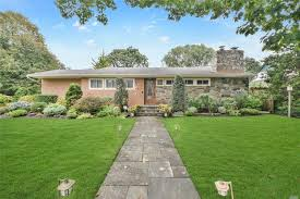 215 brixton rd garden city ny 11530 mls id 3075680 coldwell banker howard perry and walston