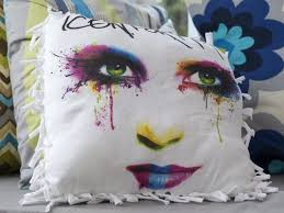 no sew pillow from an upcycled t shirt
