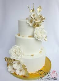 White Gold Wedding Cake Cake By Cakes By Katulienka Cakesdecor