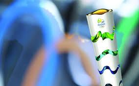 Resultado de imagem para a tocha olimpica 2016