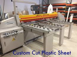 plastic cutting panel saw