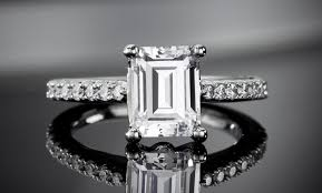 Carat Size Chart Emerald Cut Tips For Buying An Emerald Cut Diamond Ritani
