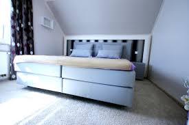 Schlafzimmer Modern Wandschräge Unglaubliche Auf Moderne Deko ...