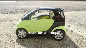 smart fortwo coupé, Maisto, 1/18 - YouTube