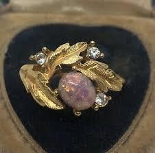 <b>Vintage</b> Fashion Ring Size 9 Gold Tone Lucite <b>Faux Opal Leaf</b> CZ ...